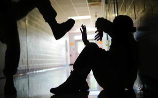 http://www.seguonews.it/gela-bullismo-a-scuola-nei-confronti-di-un-senegalese-per-questioni-di-razziali-tre-studenti-ai-domiciliari