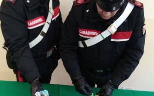 Niscemi, in casa con 3 dosi di cocaina e 2 grammi di marijuana: 46enne arrestato