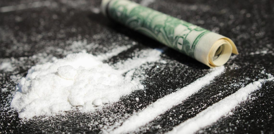 Sniffava cocaina già a 9 anni: ragazzina in cura al Sert