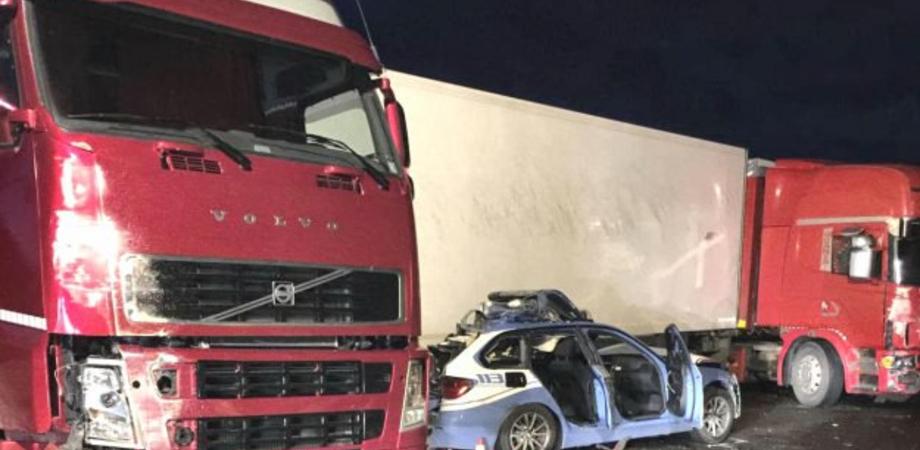 Incidente sulla Catania-Messina: tre morti e due feriti. Travolto e ucciso anche un poliziotto della stradale