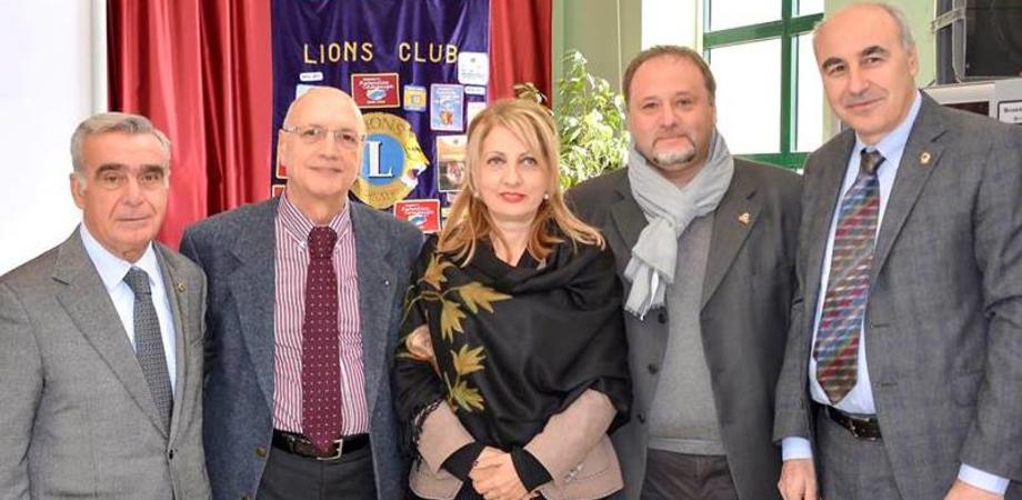 Mazzarino, i Lions incontrano i giovani: il sociologo Pira spiega come affrontare cyberbullismo e sexting