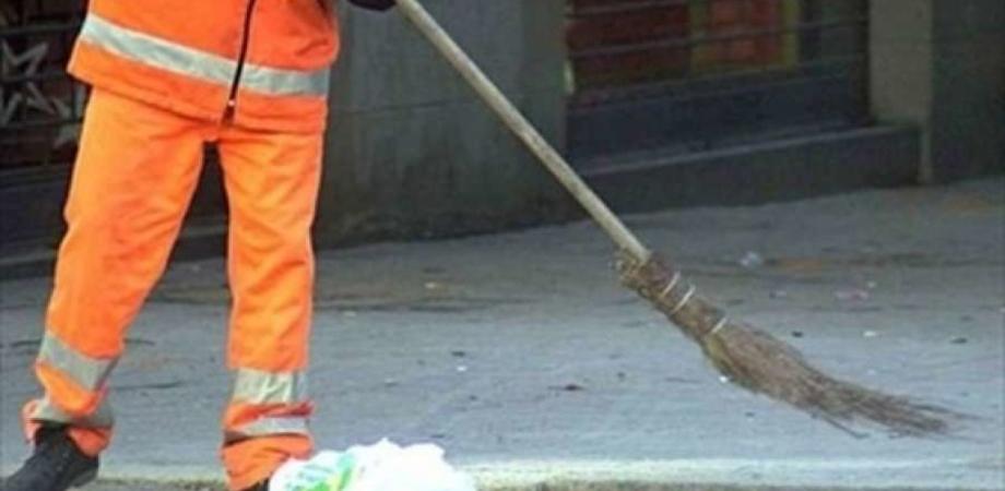Serradifalco, operatori ecologici senza stipendi da sette mesi: i sindacati chiedono l'intervento del prefetto