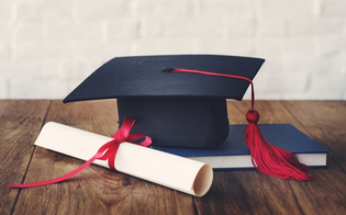 Santa Caterina, la biblioteca potrebbe custodire le tesi dei giovani laureati: al via un progetto