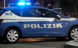 Caltanissetta, ubriaco alla guida tampona tre autovetture poi si scaglia contro i poliziotti. Arrestato