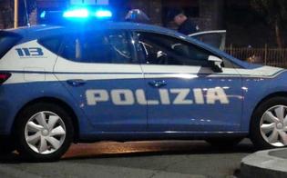 http://www.seguonews.it/caltanissetta-gambiano-fugge-con-la-droga-una-volta-bloccato-aggredisce-e-ferisce-un-poliziotto