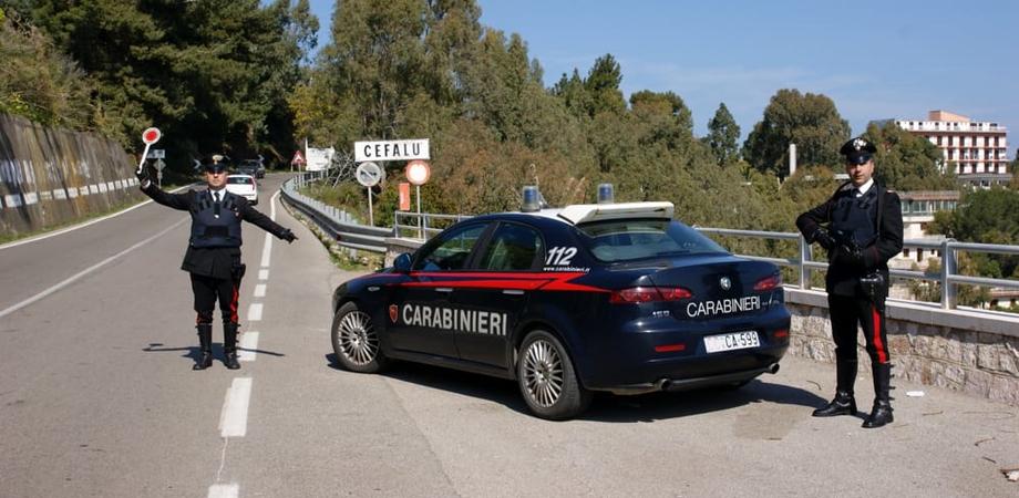 In giro per Cefalù con mezzo chilo di hashish e due grammi di cocaina: quattro nisseni arrestati