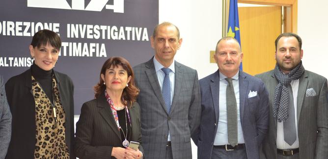 Il prefetto di Caltanissetta in visita al Centro Operativo della Direzione Investigativa Antimafia