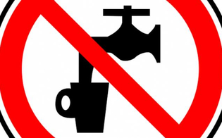 http://www.seguonews.it/caltanissetta-vietato-lutilizzo-dellacqua-per-uso-potabile-e-per-scopi-alimentari-nellarea-industriale-ex-asi-calderaro