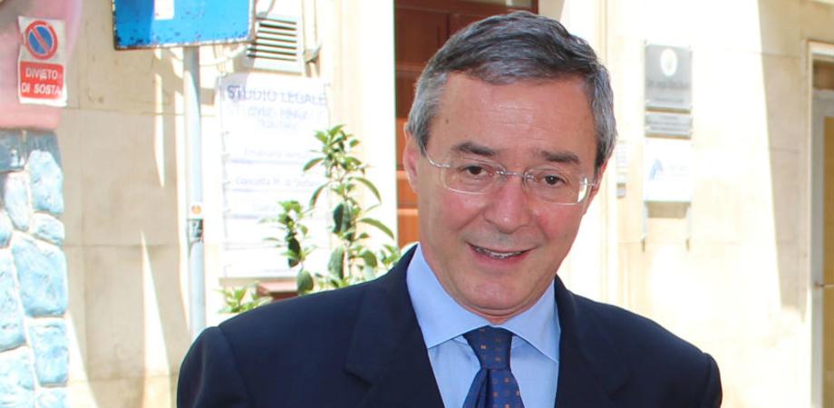 Gela e la crisi della giunta Greco, il sindaco invita Pd e Forza Italia a deporre l'ascia di guerra