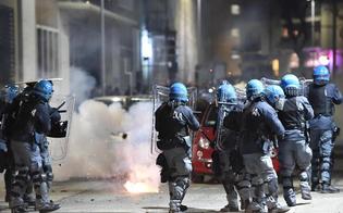 http://www.seguonews.it/centri-sociali-sgomberati-guerriglia-urbana-a-torino-salvini-per-questi-criminali-la-pacchia-e-finita