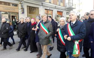 http://www.seguonews.it/in-duemila-a-caltanissetta-per-protestare-contro-il-blocco-dei-lavori-sulla-ss640-due-milioni-di-siciliani-tagliati-fuori-dalle-linee-di-comunicazione