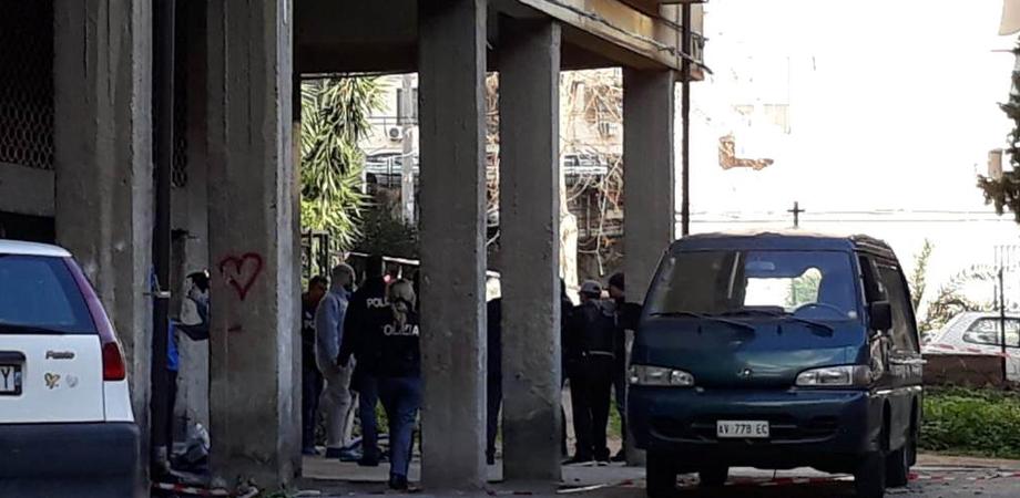 """Omicidio choc a Catania: """"Avrebbe ucciso il padre per poi tentare di sbarazzarsi del corpo in strada"""""""