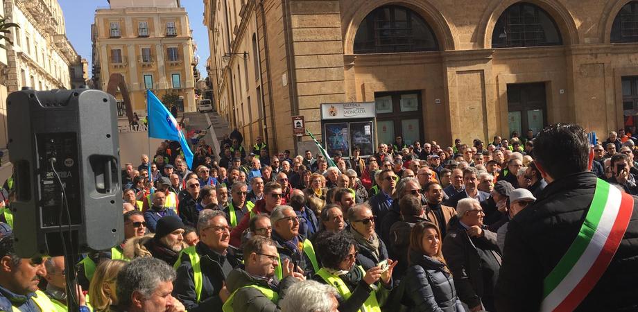 """Marcia a Caltanissetta per la Ss 640, i sindacati: """"L'opera va completata. Non spegniamo i riflettori"""""""
