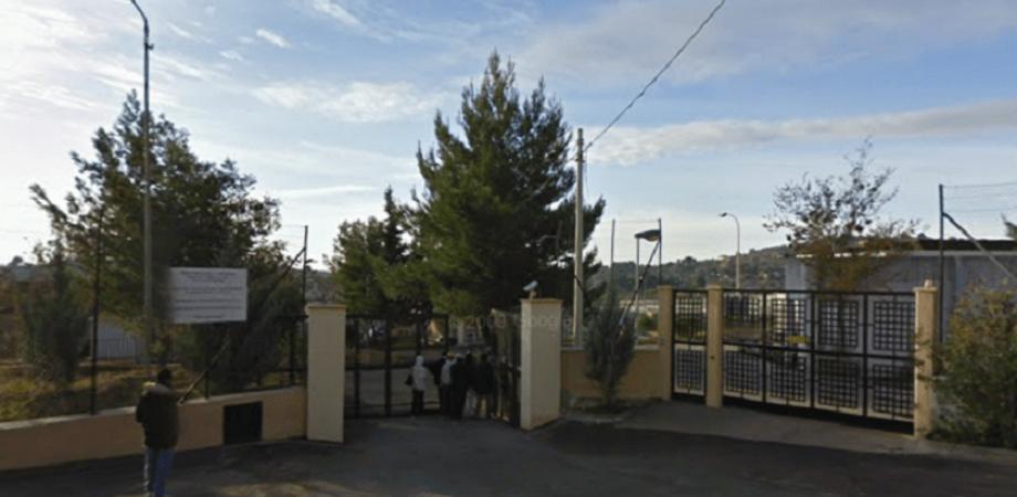 Caltanissetta, centro di accoglienza di Pian del Lago: un centinaio di lavoratori preoccupati per il loro futuro