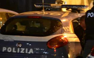 http://www.seguonews.it/caltanissetta-da-in-escandescenze-in-piazza-poi-entra-in-cattedrale-ed-urla-intervengono-le-forze-dellordine