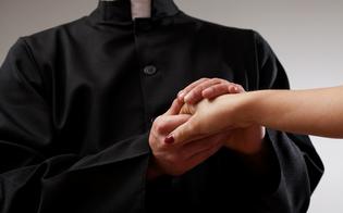 http://www.seguonews.it/si-invaghisce-del-parroco-e-lo-perseguita-poi-interrompe-anche-la-messa-denunciata