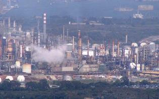 http://www.seguonews.it/inquinamento-sequestrati-impianti-versalis-e-sasol-fra-gli-indagati-anche-alcuni-fedelissimi-di-montante