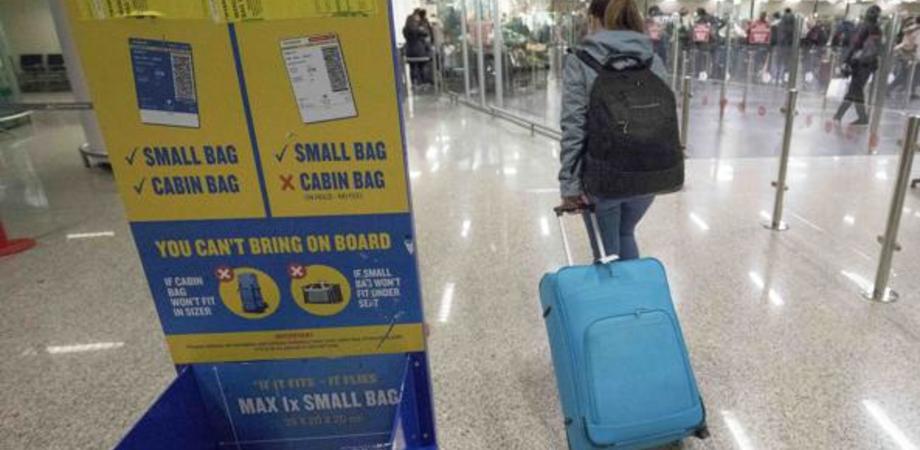Ruba un trolley all'aeroporto di Catania: denunciata per furto una 60enne niscemese