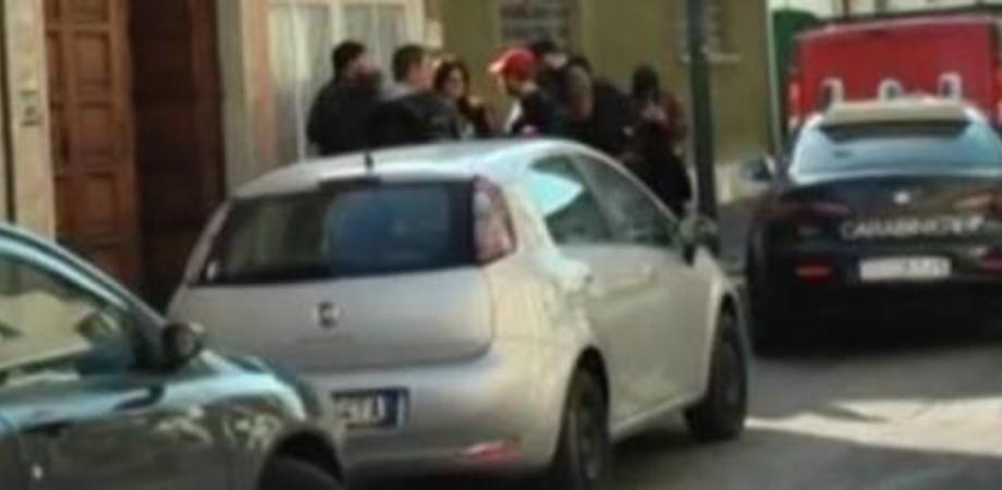 Massacra la moglie con 14 coltellate, arrestato un gelese per tentato omicidio