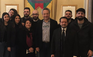 http://www.seguonews.it/caltanissetta-inizia-il-secondo-anno-del-servizio-civile-al-comune-il-sindaco-incontra-i-giovani-volontari-selezionati