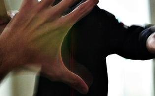 http://www.seguonews.it/maestra-aggredita-in-una-scuola-elementare-il-genitore-di-un-alunno-le-ha-sferrato-un-pugno-al-volto
