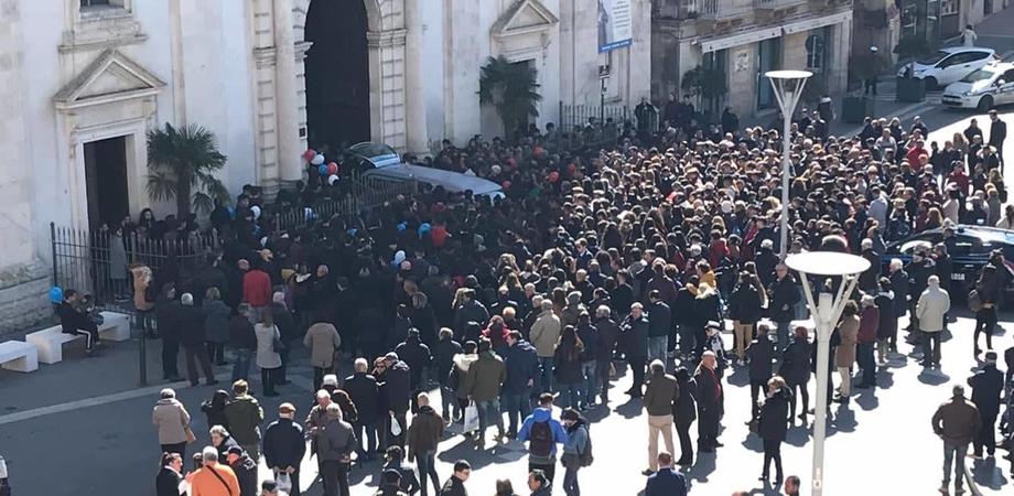 Caltanissetta a lutto per la morte del giovane Luigi Fonti, il Comune annulla le manifestazioni di carnevale