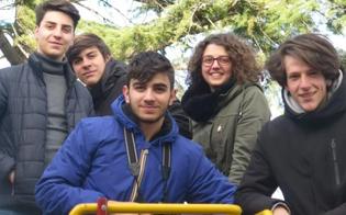 http://www.seguonews.it/listituto-rapisardi-di-caltanissetta-partecipera-alle-olimpiadi-di-robotica-con-due-progetti-