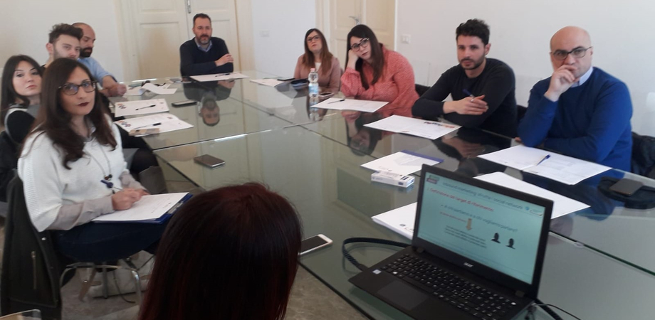 """Seminario alla Camera di Commercio di Caltanissetta, Candura: """"Per avere successo bisogna diventare più social"""""""