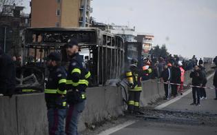 http://www.seguonews.it/terrore-sul-bus-nel-milanese-sequestra-51-bambini-poi-da-fuoco-al-mezzo