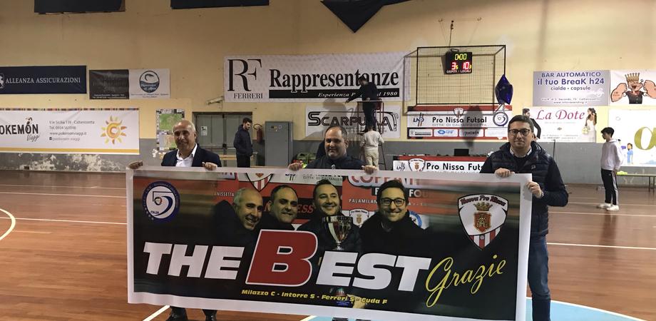 """Nisseni insaziabili, Villaurea battuta per 10 a 3. I giocatori ringraziano la dirigenza con uno striscione: """"The best"""""""