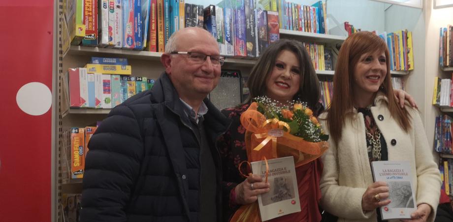 """""""La ragazza e l'uomo invisibile - La lotta finale"""", Margherita Farruggia presenta a Caltanissetta il suo ultimo romanzo"""