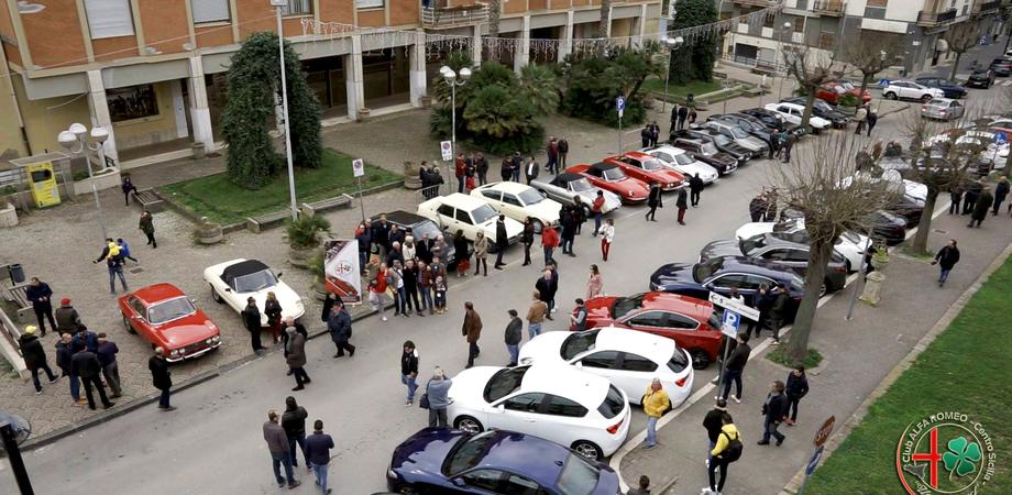 Alfa Romeo, gli appassionati del marchio si ritrovano a San Cataldo per inaugurare la sede del Club