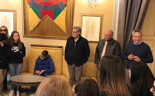 https://www.seguonews.it/dalla-val-pusteria-a-caltanissetta-tappa-al-comune-degli-studenti-del-liceo-di-brunico-in-gemellaggio-con-il-classico