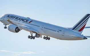 Fumo su un volo Air France a Firenze. Il problema potrebbe essere stato causato da una piccola perdita sul carrello