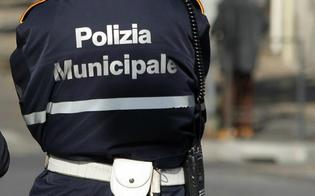 http://www.seguonews.it/gela-vigile-urbano-positivo-al-covid-chiuso-il-comando-e-tamponi-per-tutti-gli-agenti-della-municipale