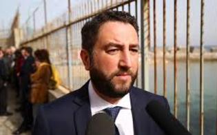 http://www.seguonews.it/il-viceministro-cancelleri-a-gela-prima-tappa-in-capitaneria-e-poi-al-teatro-eschilo