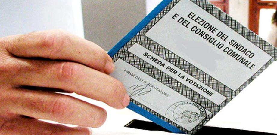 Amministrative in Sicilia, 34 comuni al voto. Affluenza in calo: alle 12 ha votato il 15.06%