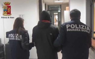 http://www.seguonews.it/deteneva-centinaia-di-foto-e-immagini-pornografiche-e-chattava-con-bambine-molto-piccole-arrestato-un-ragioniere