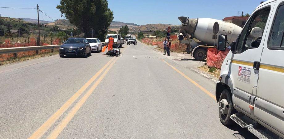 Caltanissetta, motociclista perse la gamba in seguito allo schianto contro una betoniera: autista rinviato a giudizio