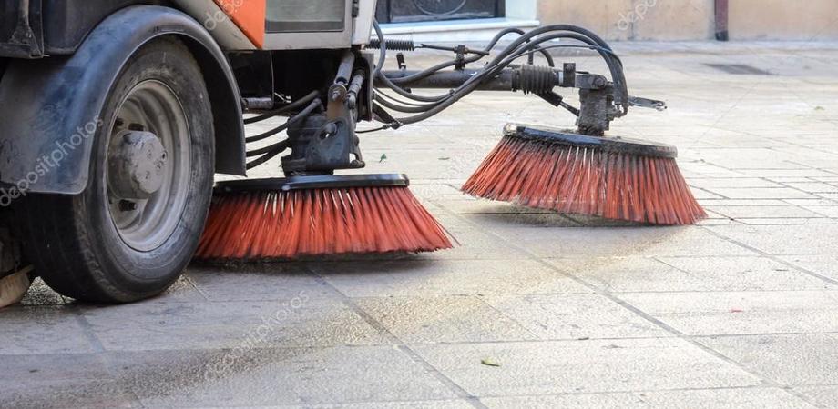 Gela, pulizia di strade e piazze: gli interventi verranno effettuati durante la notte. Ecco il calendario