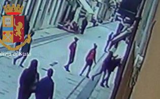 http://www.seguonews.it/aggrediti-dal-branco-perche-gay-undici-minorenni-indagati-a-vittoria-per-lesioni-e-minacce