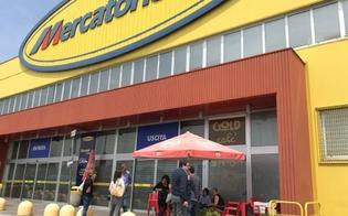 http://www.seguonews.it/mercatone-uno-e-fallita-i-dipendenti-lo-scoprono-su-facebook-la-societa-meno-di-un-anno-fa-aveva-acquisito-55-punti-vendita