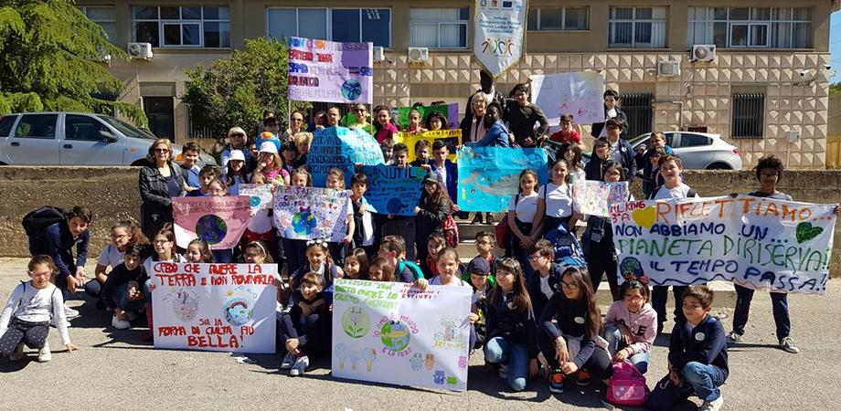 Fridays for Future Caltanissetta, cambiamenti climatici: sul podio l'istituto M.L.King