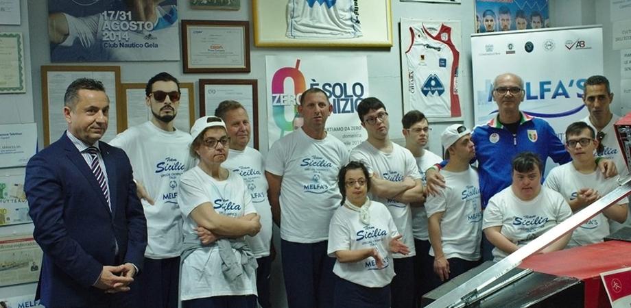 Imprenditore gelese e associazione disabili firmano un contratto: l'azienda sosterrà gli atleti