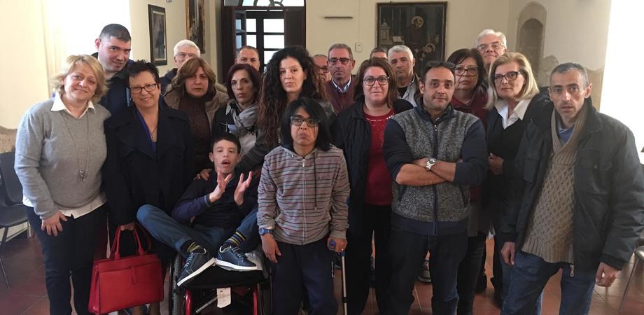 Caltanissetta, nuovamente sospesi i servizi per i disabili delle scuole superiori: l'indignazione di 80 famiglie