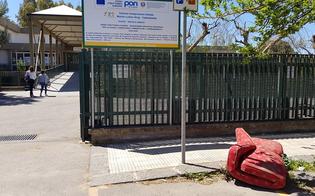 http://www.seguonews.it/caltanissetta-leandro-janni-la-poltrona-in-via-leone-xii-arredo-urbano-o-rifiuto