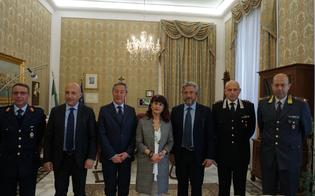 http://www.seguonews.it/gambino-e-greco-in-visita-in-prefettura-il-sindaco-di-caltanissetta-collaborazione-fattiva-per-rendere-la-citta-piu-sicura