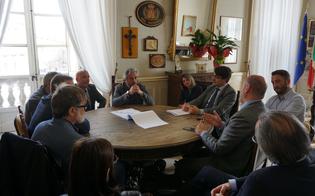 http://www.seguonews.it/ss640-il-sindaco-di-caltanissetta-incontra-lanas-impegno-per-il-cronoprogramma-su-cui-vigileremo