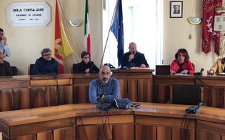 http://www.seguonews.it/riesi-dipendenti-comunali-in-esubero-un-cinquantina-di-impiegati-rischiano-di-finire-in-mobilita