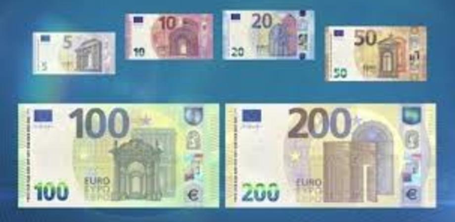 Debuttano le nuove banconote da 100 e 200 euro:  fra pochi giorni saranno in circolazione